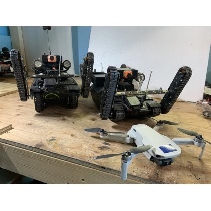 住宅点検ロボットとドローン教室の商材